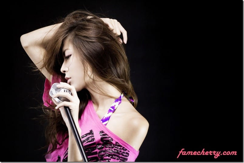 IMAGE: http://famecherry.com/wp-content/graphics/2012/05/IMG_6759-2_thumb.jpg