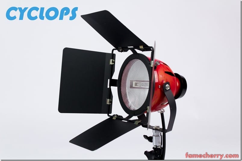 MG 1495 Essential Studio Equipment : Cyclops 800W Continuous 3200K Halogen Sunlight
