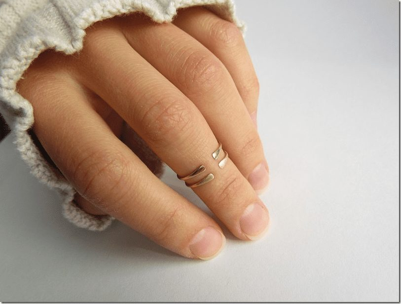 gold-knuckle-midi-ring