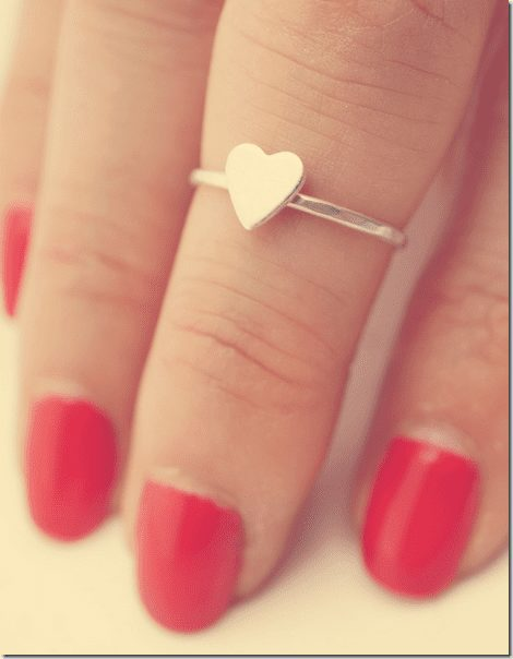 heart-knuckle-ring