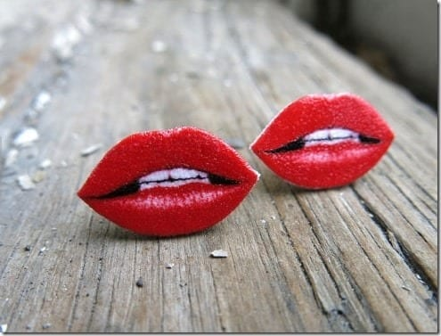 hot-red-lips-earrings