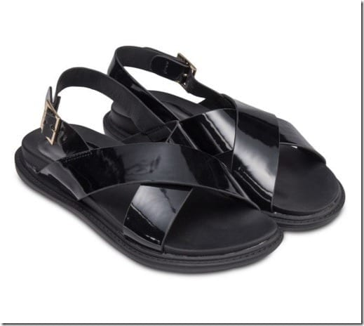 cross-foot-bed-sandals