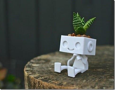 cute-robot-succulent-planter