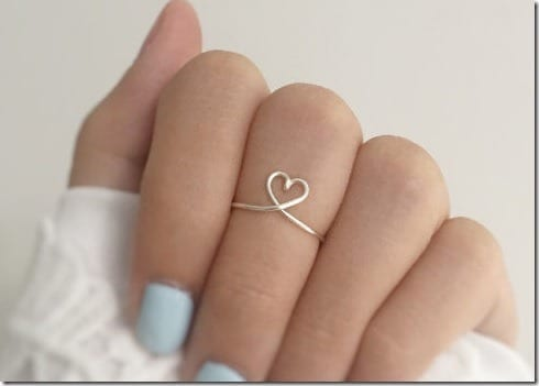 delicate-heart-knuckle-ring