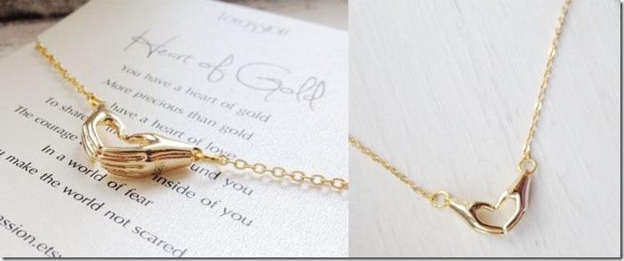 heart-shape-hand-necklace