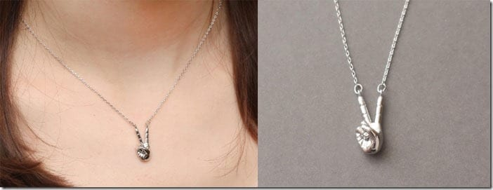 peace-hand-necklace