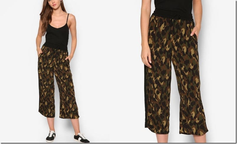 camo-print-wide-leg-crop-trousers