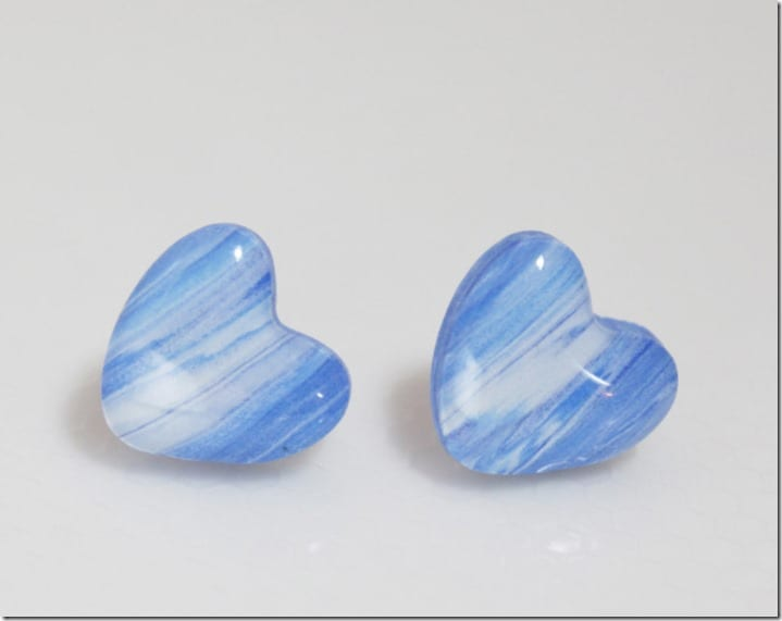 white-blue-swirl-heart-stud-earrings