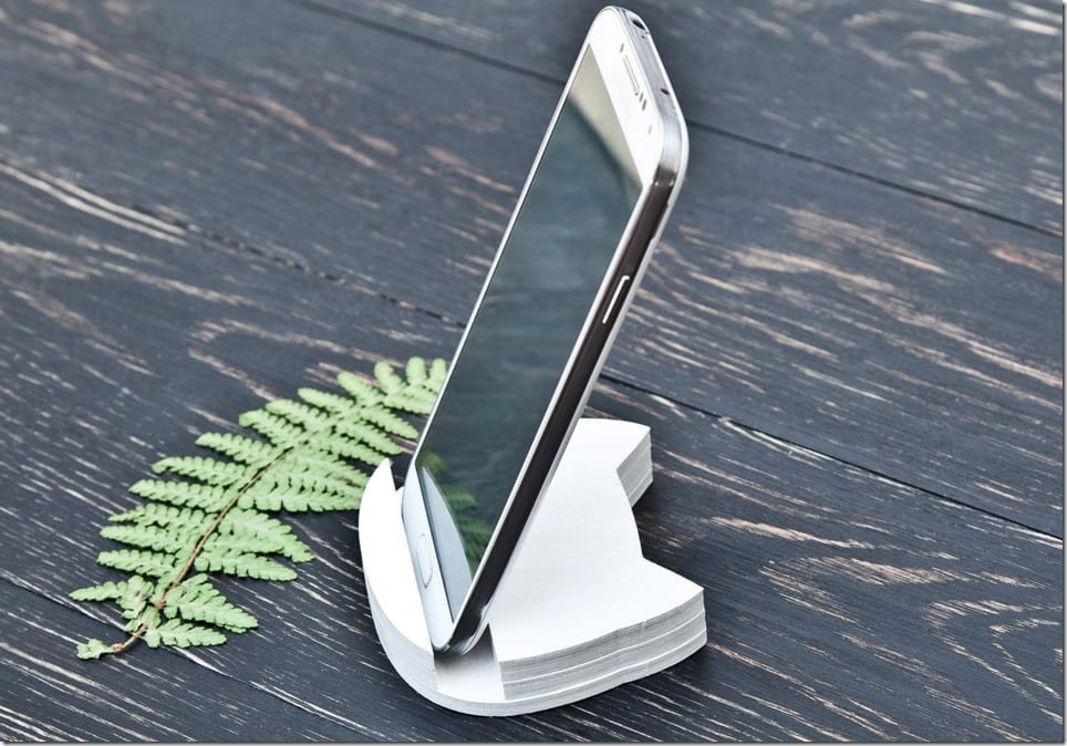 7 Chic Wooden Stand Ideas To Park Your Smartphones