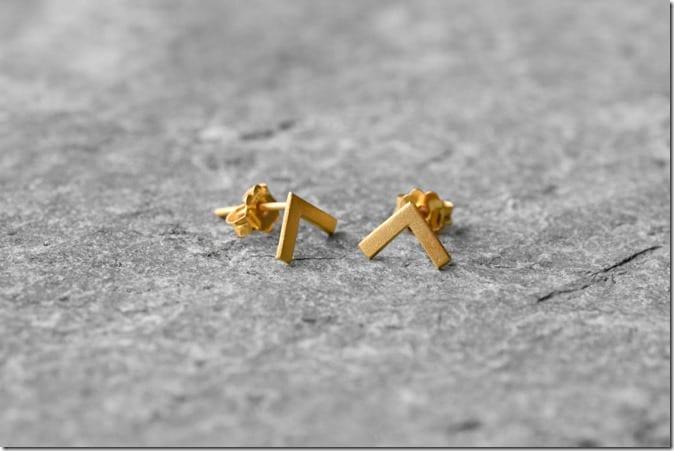 small-v-earrings