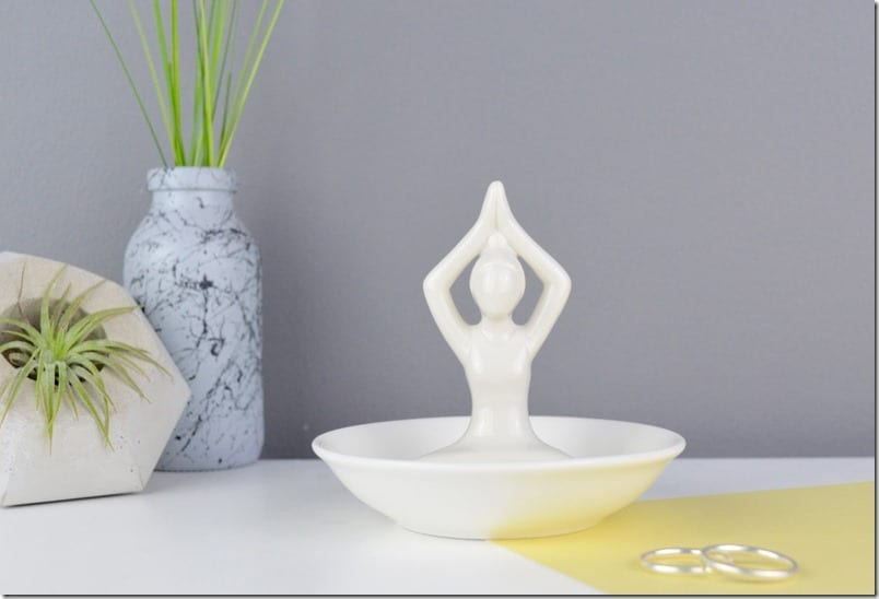 white-ceramic-yoga-ring-dish