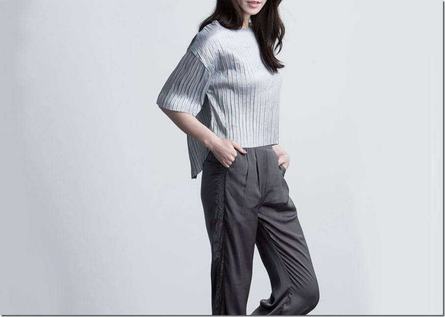 5 Grey Top Styles With An Easy Chic Flair