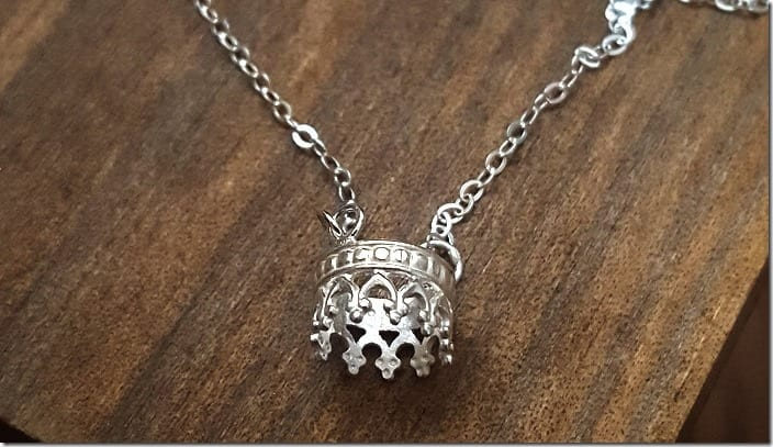 unique-crown-necklace