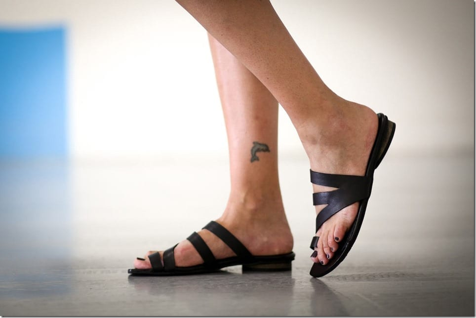 black-toe-loop-minimalist-leather-sandals