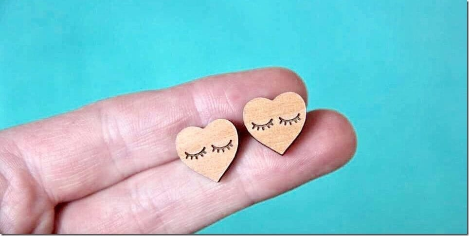 eyelash-heart-earrings