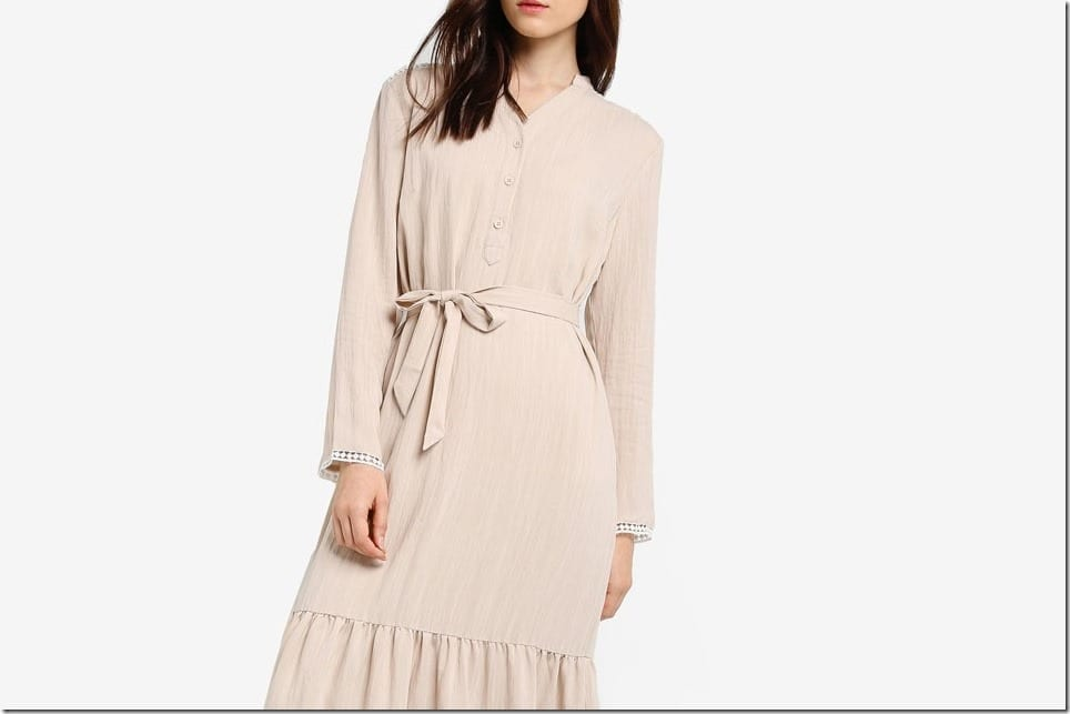 Flowy Long Dress Styles To Express Your Demure Feminine Vibes