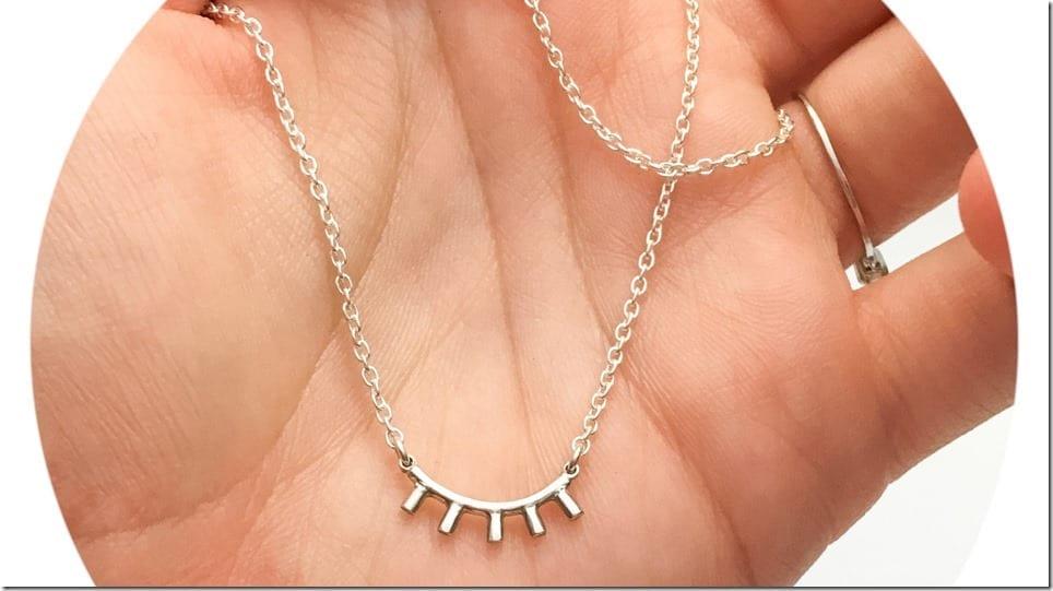 sleepy-eye-pendant-necklace