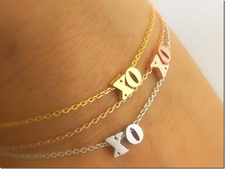 dainty-xo-bracelet