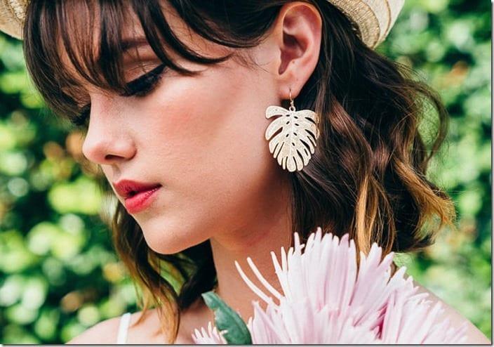 gold-palm-tree-leaf-earrings