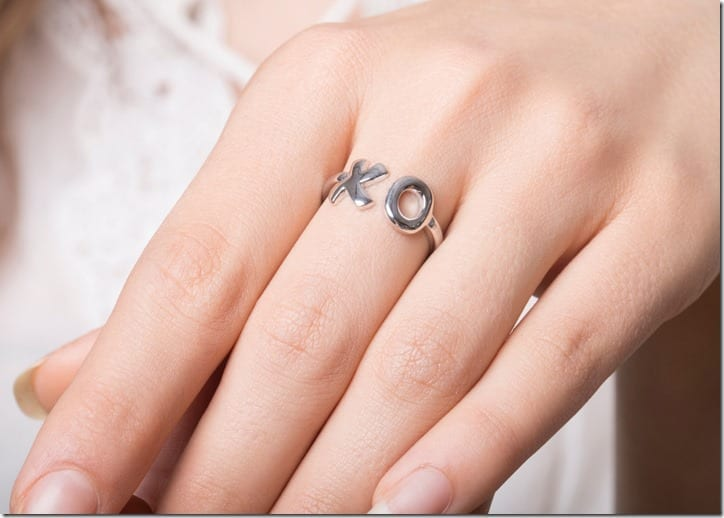 hug-kiss-xo-ring