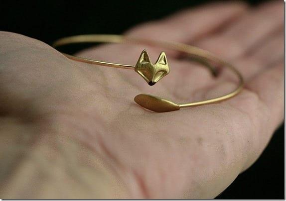 delicate-hand-gilded-fox-bangle