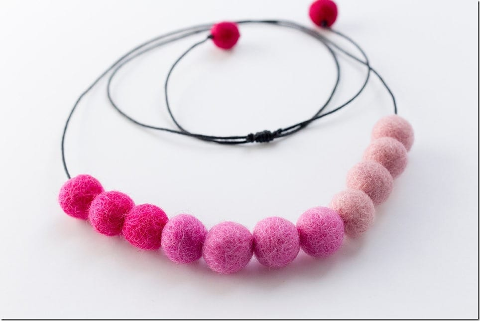 ombre-pink-pom-pom-necklace