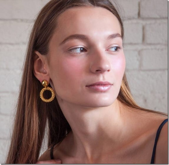vintage-80s-doorknocker-hoop-earrings