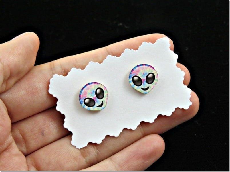 happy-alien-emoji-stud-earrings