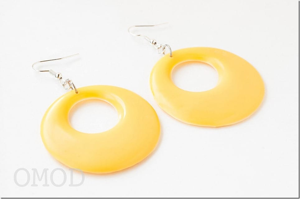 60s-style-yellow-hoop-earrings