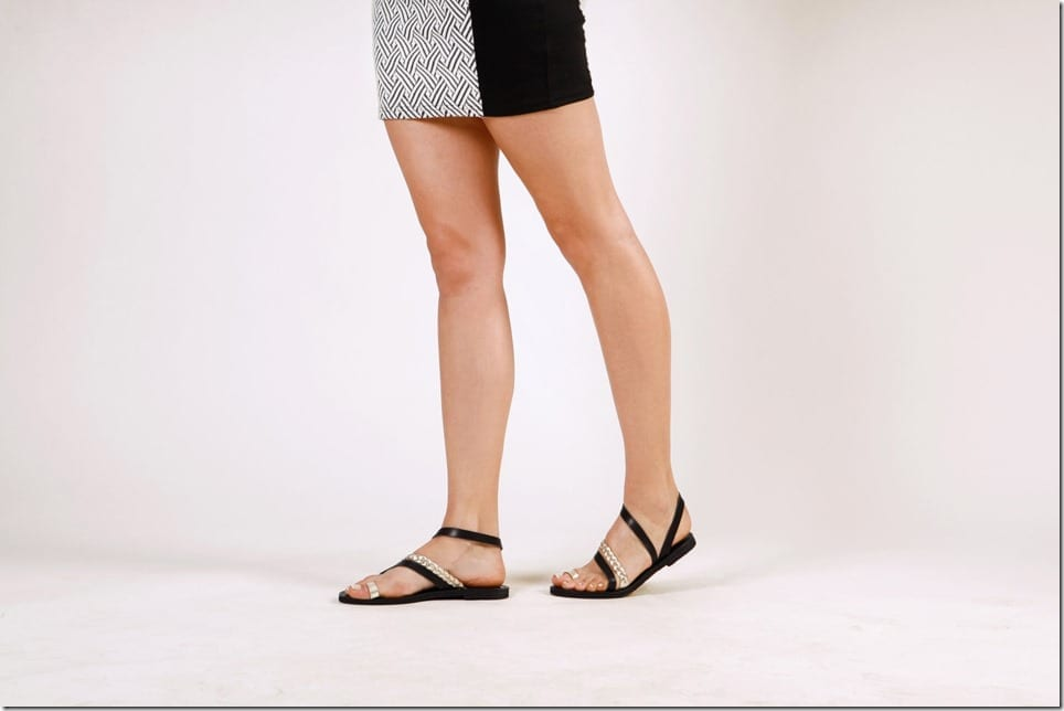 black-gold-toe-ring-gladiator-sandals