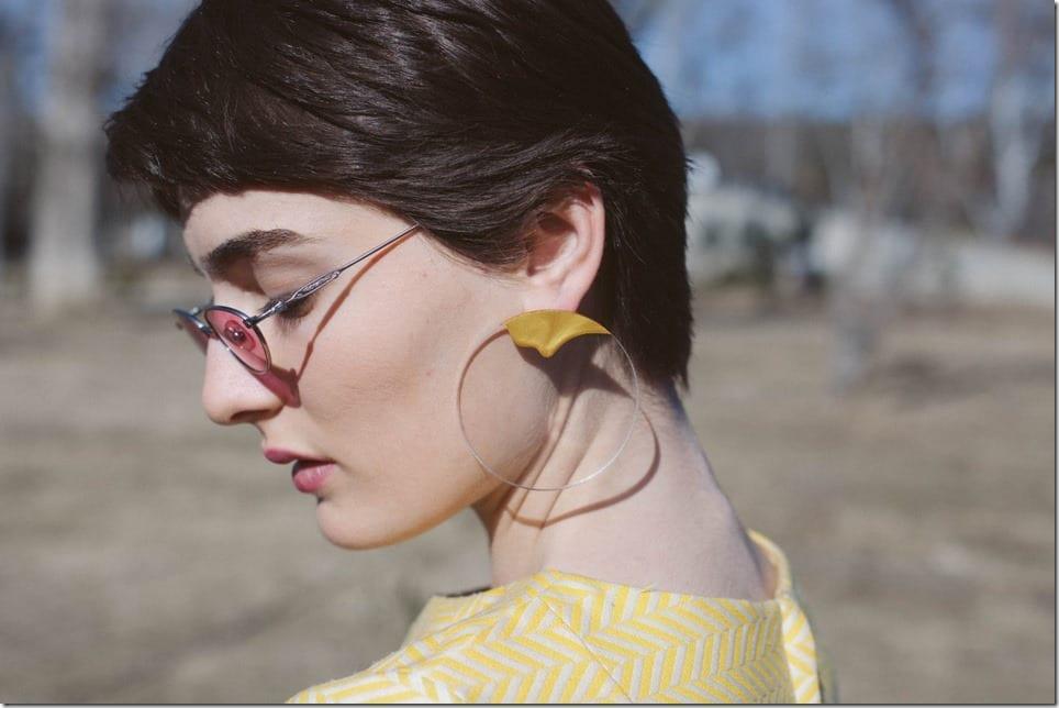 transparent-golden-paint-earrings