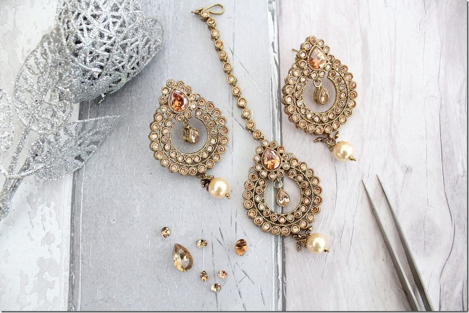 bollywood-antique-teardrop-tikka-earring-set