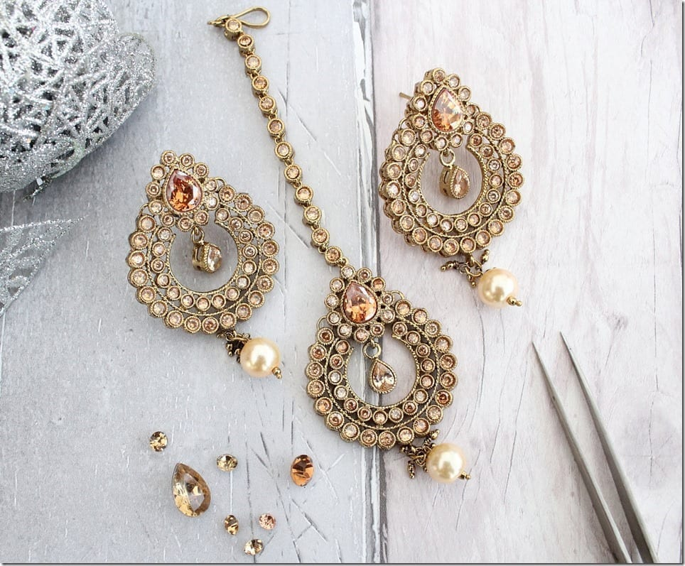 Tikka Headpiece And Earring Set Ideas For Strong Bollywood Vibes