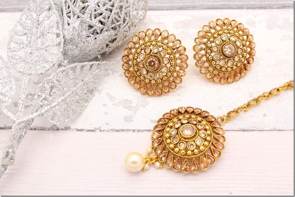 bollywood-round-diamante-tikka-earring-set