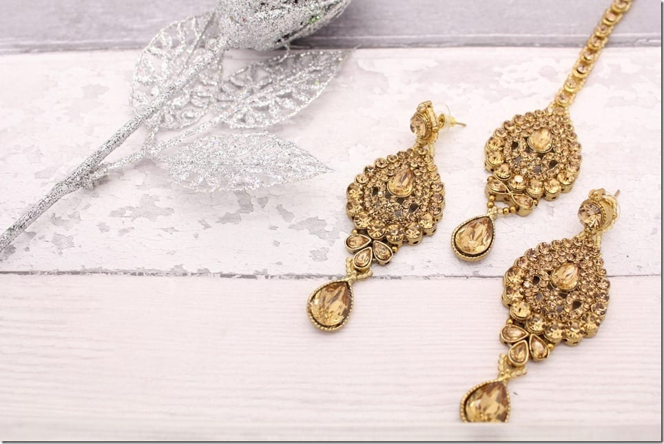 kundan-stone-tikka-earring-set