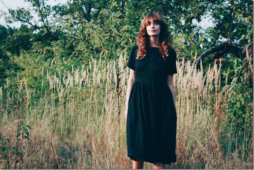 short-sleeve-loose-midi-black-dress