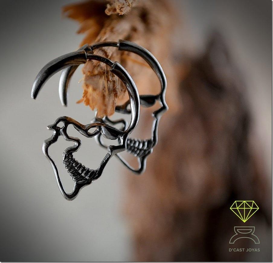 gothic-black-skull-hoop-earrings