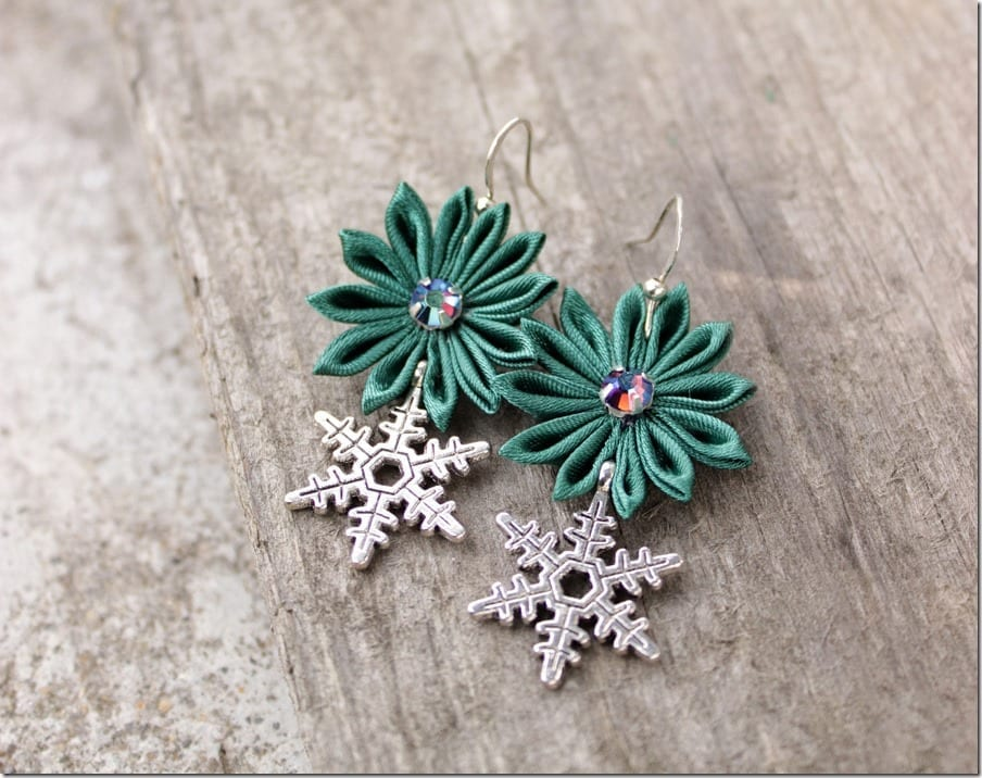 green-charm-snowflake-earrings