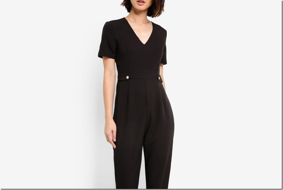 A Minimalist Jumpsuit Style To Party In