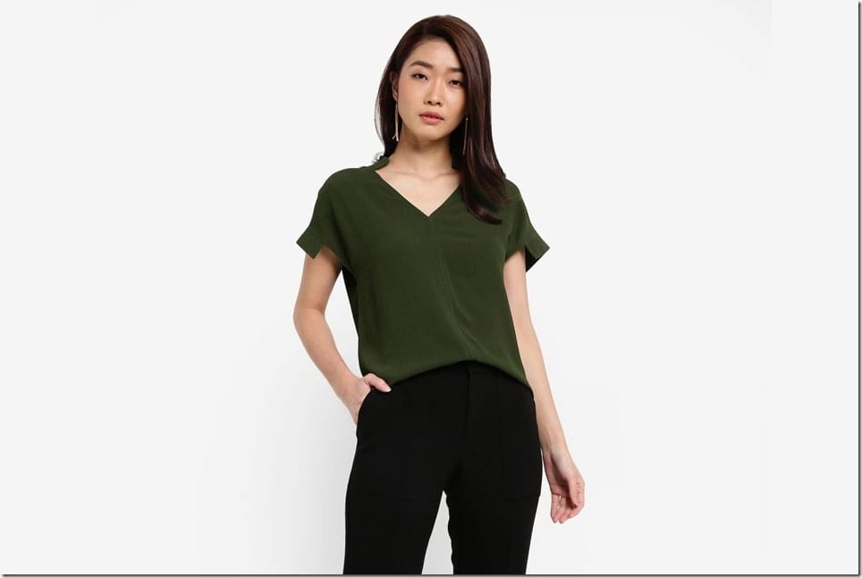 Minimalist V-Neck Top With Signature Sleeve Style
