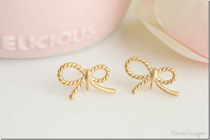 pretty-ribbon-stud-earrings