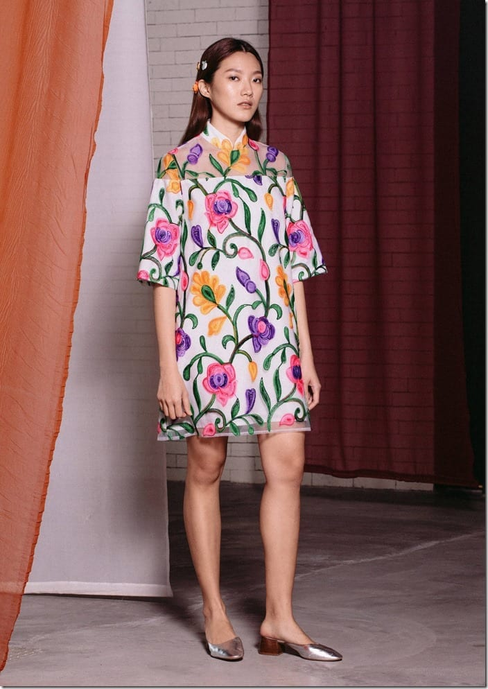 floral-embroidered-shift-mini-qipao-dress