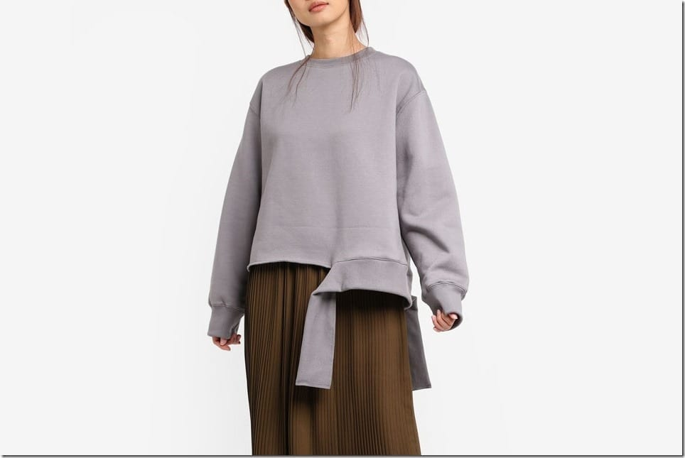 Tops With Undone Hem To Give Your OOTD A Strong Style Character