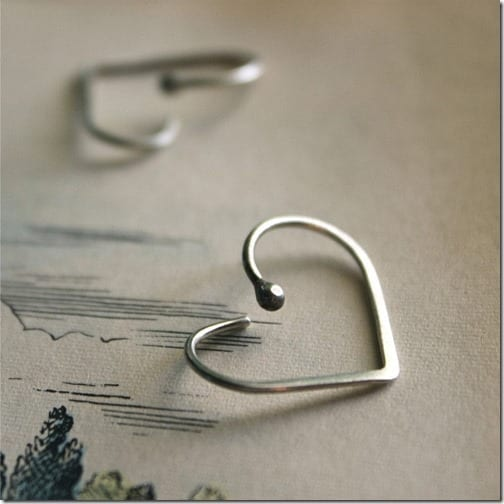 sterling-silver-minimal-heart-hoop-earrings