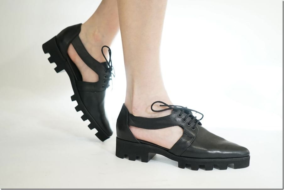 Edgy Leather Oxford Shoes With A Cut Out Statement