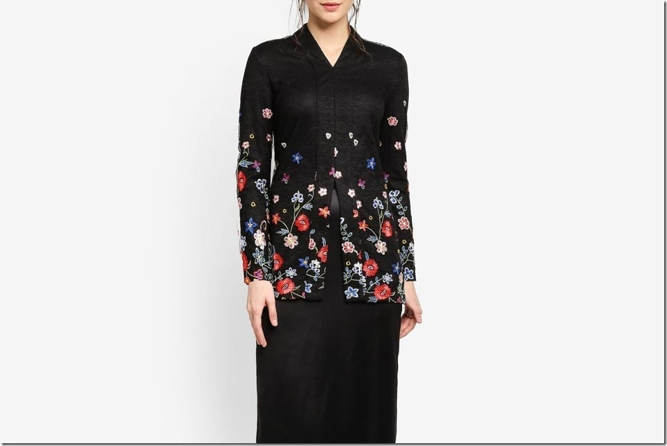The Black Floral Kebaya Styles For A Dark Festive Raya 2018 OOTD
