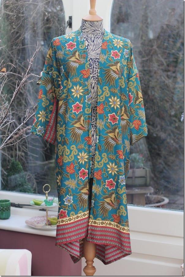 flowy-floral-silk-kimono-robe