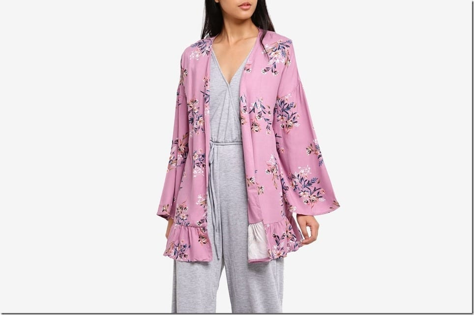 Flowy Frilly Kimono To Top Over Your Relaxed Raya OOTD