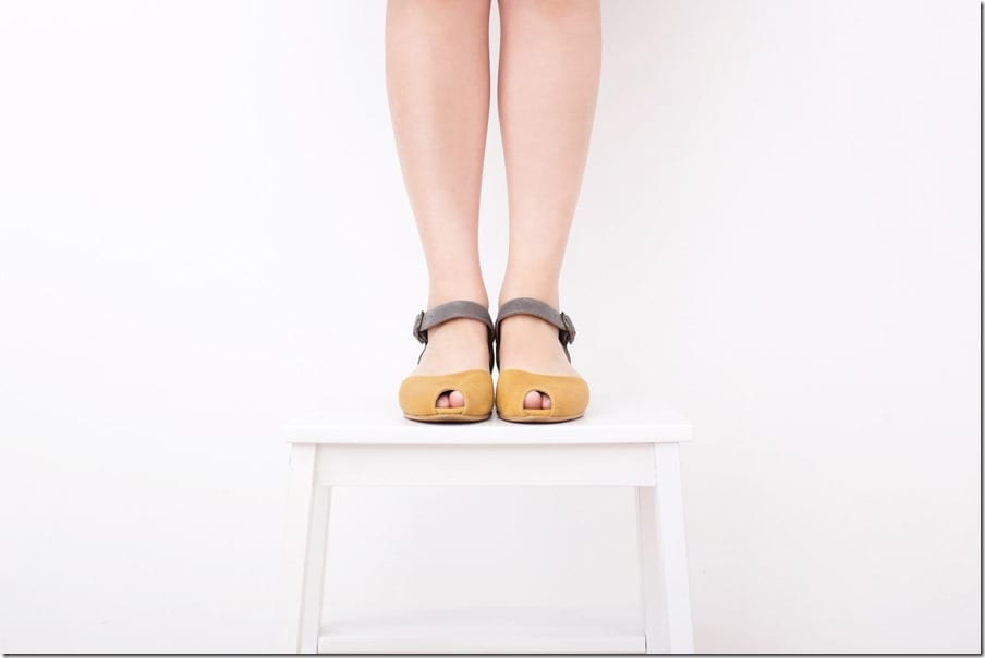 yellow-gray-peep-toe-leather-sandals