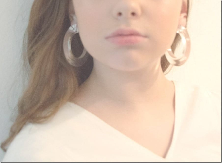 Fashionista NOW: Clear Lucite Open Hoop Earrings For Your Vintage Earlobes